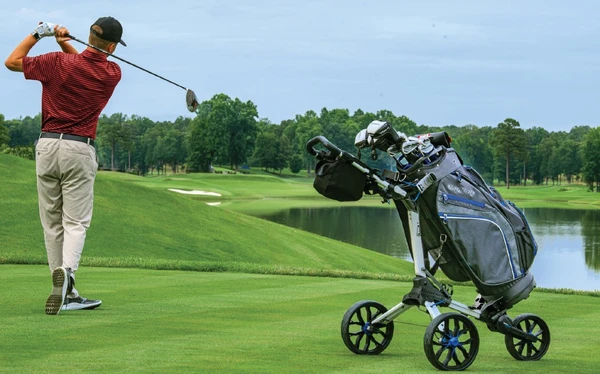 How to Choose the Right Clicgear Buggy for Your Golf Game